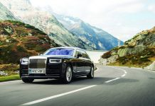 Rolls Royce Phantom side view